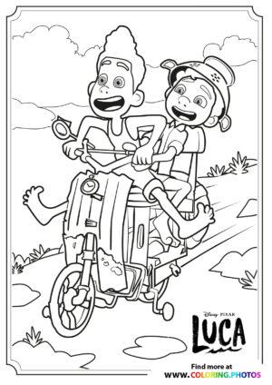 Luca and Alberto riding a Vespa